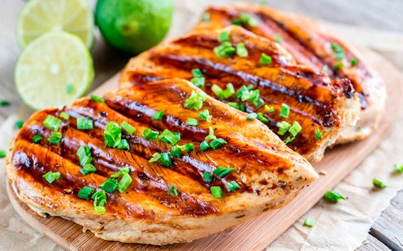 Pollo marinado con limón y orégano