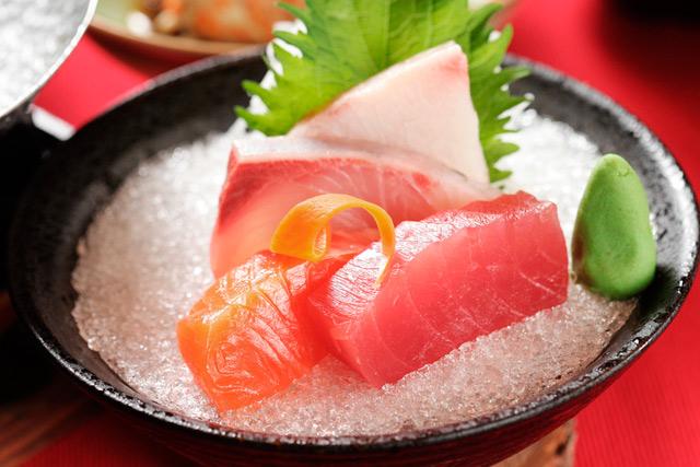 pescado crudo evitar comer durante el embarazo