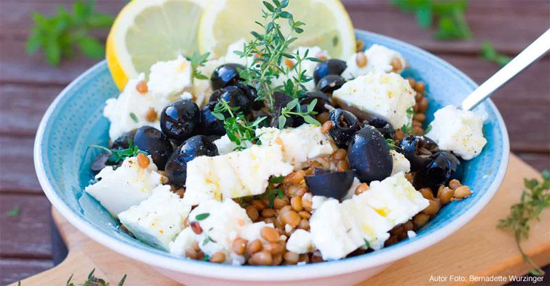 Ensalada de lentejas y queso fresco