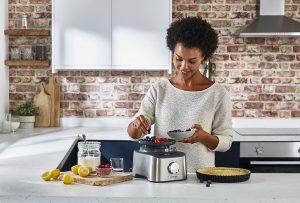 Pesar los ingredientes con la Multi pro compact de Kenwood